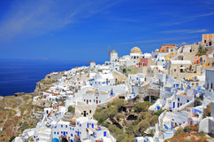 Vila de Oia no console de Santorini fotos de stock