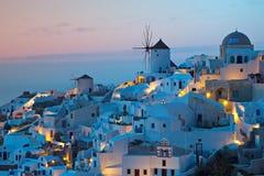 Vila de Oia no console de Santorini em Greece Imagens de Stock Royalty Free
