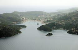 Vila de Vathy na ilhota de Lazareto, ilha de Ithaca, Grécia Fotografia de Stock Royalty Free