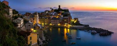Vila de Vernazza em Cinque Terre, Italy imagens de stock royalty free