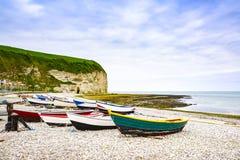 Vila de Yport Fecamp, praia da baía, penhasco e barcos Normandy, Fran Foto de Stock Royalty Free