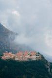 Vila do russo em Montenegro Pagamento para os ricos no mo imagens de stock royalty free