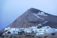 Vila e igreja gregas tradicionais Foto de Stock