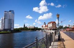 Vila e Kneiphof do ` s dos pescadores em Kaliningrad, Rússia imagem de stock