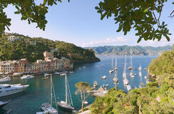 Vila e porto históricos de Portofino Foto de Stock Royalty Free