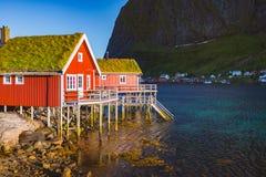 Vila em ilhas de Lofoten em Noruega, Europa Fotos de Stock Royalty Free