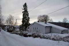 Vila em Noruega no dia de inverno Foto de Stock Royalty Free