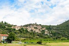 Vila francesa Vieussan, Languedoc Roussillon Fotos de Stock