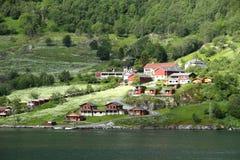 Vila Geiranger, fiorde de Geiranger, Noruega Fotos de Stock Royalty Free