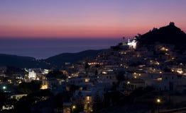 Vila grega no crepúsculo Fotografia de Stock Royalty Free