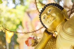 Vila guld- Buddha i Ubon, Thailand Arkivbild