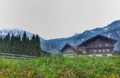 Vila idílico em Suíça Fotos de Stock Royalty Free