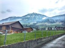 Vila idílico em Suíça Fotos de Stock