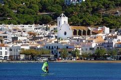 Vila litoral da Espanha no mediterrâneo fotos de stock royalty free