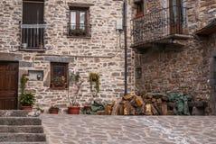 A vila medieval de Torla em pyrinees da Espanha de Aragon Fotos de Stock Royalty Free