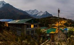 Vila na noite, Nepal do bazar de Namche Imagens de Stock