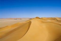 Vila no deserto, Oman imagem de stock