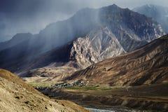 Vila no vale de Spiti Imagens de Stock