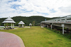 Vila område nära bron Arkivbilder