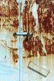 Vila oxidada de Grécia Samos da porta do metal Fotografia de Stock Royalty Free