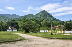 Vila pequena na ilha grandioso de Ilha, Brasil imagem de stock royalty free
