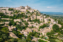 Vila pitoresca antiga da parte superior do monte de Gordes em Provence, França Fotografia de Stock