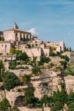 Vila pitoresca antiga da parte superior do monte de Gordes em Provence, Fran Fotografia de Stock
