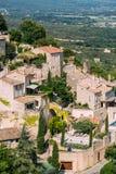 Vila pitoresca da parte superior do monte de Gordes em Provence, França Imagens de Stock