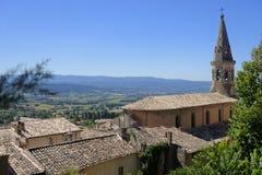 Vila Saturnin-lès-apto de Saint em Provence foto de stock