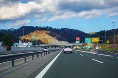Vila stället Lukovica på huvudvägen A1 i Slovenien arkivbild