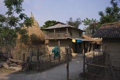 Vila típica de Tharu em Terai, Nepal imagem de stock royalty free