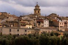 Vila típica nas montanhas de catalonia Fotos de Stock