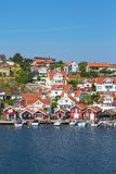 Vila velha da costa na costa oeste sueco fotografia de stock royalty free