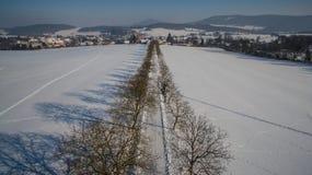 Vilage in Bhemia occidentale, foto aerea di inverno Fotografia Stock