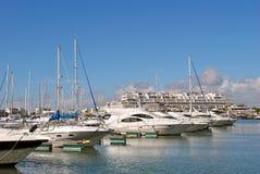 Vilamoura Marina luksusu jachty fotografia royalty free