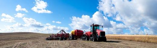 vilande traktor Royaltyfria Bilder