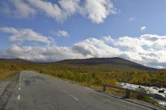 Vildmarksägen το φθινόπωρο στη Σουηδία Στοκ εικόνες με δικαίωμα ελεύθερης χρήσης