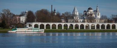 Vilikiy Novgorod, fiume di Volchov, Russia Fotografia Stock