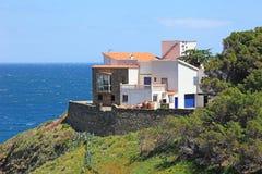 Villa alla spiaggia mediterranea. fotografia stock