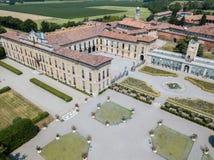 Villa Arconati, Castellazzo, Bollate, Milano, Italia Siluetta dell'uomo Cowering di affari Villa Arconati, Castellazzo, Bollate,  Fotografie Stock