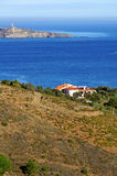 Villa au-dessus de la mer Méditerranée Photographie stock libre de droits