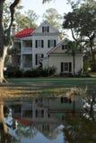 Villa auf dem Wasser lizenzfreie stockfotografie