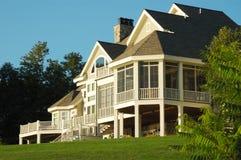 Villa auf einem Hügel Lizenzfreies Stockbild