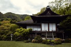 Villa bij de Tuinen van Okochi Sanso stock afbeeldingen