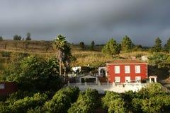 Villa color giallo canarino, La Palma Fotografia Stock