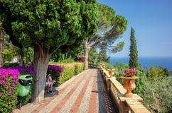 Villa Communale i Taormina royaltyfri bild