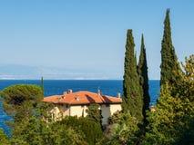 Villa con la vista del mare, Croazia Immagine Stock