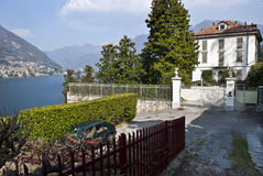 Villa d'achats de Berlusconi sur le lac Como Photo libre de droits