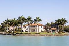 Villa de luxe à Naples, la Floride images libres de droits