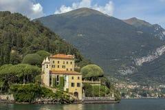 Villa del Balbianello på sjön Como arkivfoton